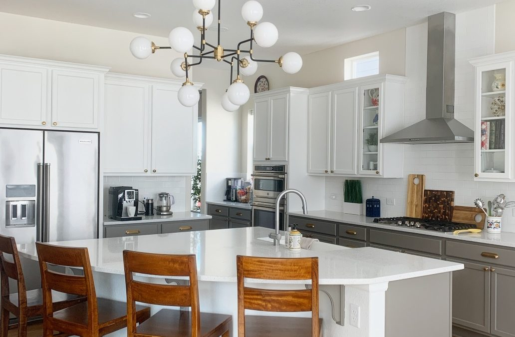 The 6 Best White Paint Colors for Dark Rooms