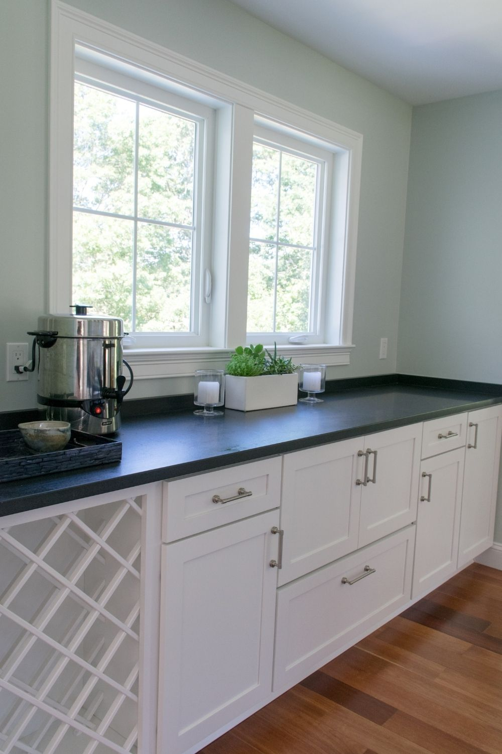 Butler's pantry with SW Sea Salt wall color and SW extra White cabinets